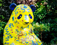 Prince Panda (charlie_guttendorf) Tags: guttendorf nikon nikon18200mm nikond7000 statue washington washingtondc panda yellow
