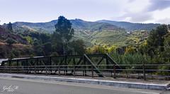 Kreta in den Bergen (gabimartina) Tags: kreta creta griechenland landschaft natur gebirge weisenberge bäume wolken brücke