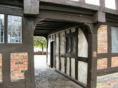 Carriage entrance (Mrs Fogey) Tags: gateway entrance carriageentrance cobbles rowleyshouse hillslane shrewsbury shropshire