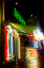 20170902-034 (sulamith.sallmann) Tags: gastronomie blur effect effekt filter folie folientechnik imbiss licht light nacht nachtaufnahme nachts neoneffekt neonreklame night nightshot prinzenallee unscharf berlin deutschland deu sulamithsallmann