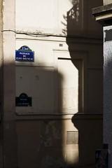 Clos-Bruneau (Gerard Hermand) Tags: 1710130421 passageduclosbruneau gerardhermand france paris eos5dmarkii canon mur ombre rue shadow street wall