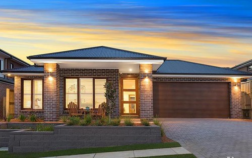 18 Nangar Cr, Kellyville NSW 2155