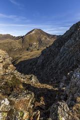Pic de La Serrera 2912m. Principat d'Andorra (kike.matas) Tags: canon canoneos6d canonef1635f28liiusm kikematas picdelaserrera andorra andorre principatdandorra pirineos paisaje pico montañas sombras rocas piedras cielo lightroom6 senderismo excursión андорра explore