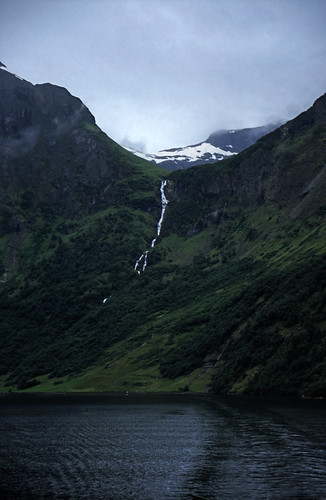 "Norwegen 1998 (180) Nærøyfjord • <a style=""font-size:0.8em;"" href=""http://www.flickr.com/photos/69570948@N04/37586993342/"" target=""_blank"">View on Flickr</a>"