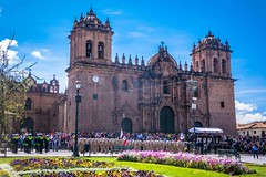 Every Sunday in most Peruvian cities, they have a large ceremony to raise the flag.  Cusco's was beautiful.