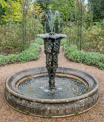 20171015-IMGP0655 (rob mulf) Tags: nymans pentax westsussex greatbritian england outdoors nature water fountain