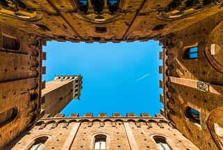 la torre sul cortile