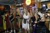 2017-10-30 Hooters Hallow  046 (yahweh70) Tags: hooters nottingham hootersofnottingham halloween hootershalloween fancydress hootersgirls