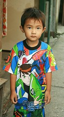 boy in colorful outfit (the foreign photographer - ฝรั่งถ่) Tags: young boy child colorful outfit khlong thanon portraits bangkhen bangkok thailand canon kiss