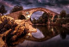 Puente Romano. (Pedro López Batista) Tags: puente romano puenteromano cangas bridge nightshot nocturna largaexposicion edificio romanbridge sky sunset canon 6dmarkii 6d eos longexposition
