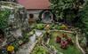 Monk's Garden, Meteora (hendriksoppa) Tags: garten blumen nikon nikond7100 haus urlaub gt griechenland regen faben fabenfroh meteora monk travel mönch topfpflanzen