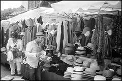 au marché (enrico cinti) Tags: leica m8 elmar 35cm 135