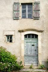 Maison de campagne, Camboulan, Aveyron (lyli12) Tags: porte maison aveyron ancien patrimoine campagne village france nikon d7000