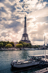 Tour Eiffel Sunset (Téo Correas) Tags: paris black white photograhy canon 70d eos photography photo urban parisian parislovers tour eiffel invalides montmartre notre dame de blackandwhite travels seine