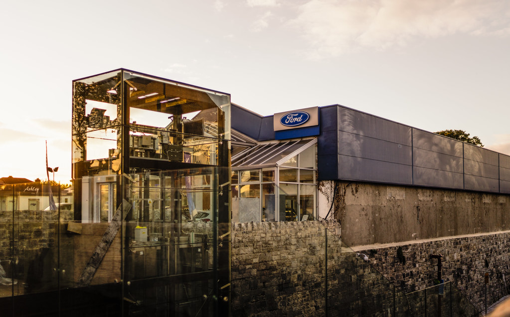 THE NEW LUAS TRAM STOP AT PHIBSBOROUGH [UNDER A BRIDGE AND PROTECTED BY GLASS PANELS]-133102