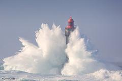 le phare de la Jument dans la tempête Brian le 21 octobre 2017 (cedric.cain29) Tags: cédriccaïn ouessant île iroise finistere bretagne lumièresdouessant paysages seascape lighthouse tempête storm pharedelajument brian tempêtebrian lumières douessant