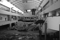 Apocalypse.. (Al. Bo.) Tags: apocalypse mall scale stairs luce murales destruction bw bianconero black white bianco nero canon eos60d eos