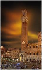 Torre del Mangia (Giovanni Giannandrea) Tags: siena italy tuscany piazzadelcampo torredelmangia palazzopubblico medieval square palazzisignorili italia