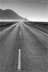 Siguiendo mi camino (Cabo de Gata - Almería) (Jose Manuel Cano) Tags: cabodegata almería españa spain nikond5100 carretera road iglesia church bn bw paisaje landscape
