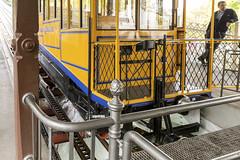 Wiesbaden_Nerobergbahn_IMG_9998 (milanpaul) Tags: 2017 alt architektur canoneos6d deutschland germany hessen historisch neroberg nerobergbahn oktober stadt standseilbahn strase tamron2470mmf28divcusd taunus technik wasserballastbahn wiesbaden