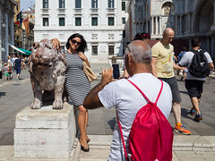 Snap #048 (Peter.Bartlett) Tags: bag tourists people city standing cellphone peterbartlett man urban steps candid couple mobilephone woman walking urbanarte lunaphoto streetphotography ricohgr venezia veneto italy it