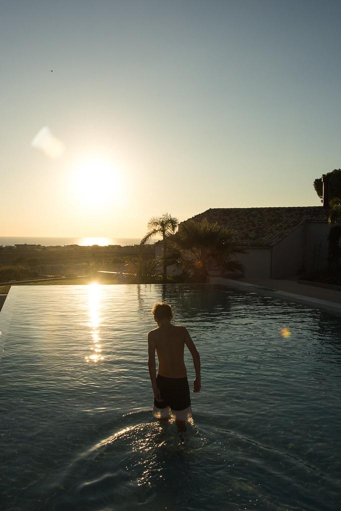 The world 39 s best photos of piscine flickr hive mind for Big blue piscine