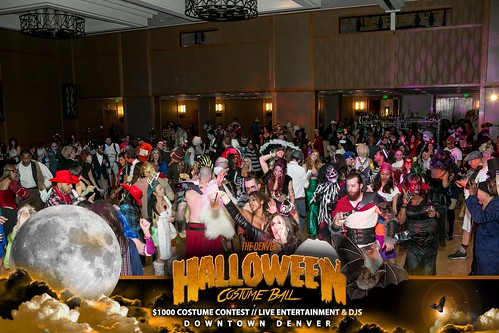 "Halloween Costume Ball 2017 • <a style=""font-size:0.8em;"" href=""http://www.flickr.com/photos/95348018@N07/26301413849/"" target=""_blank"">View on Flickr</a>"