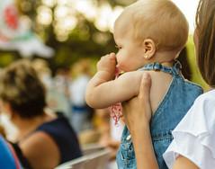 La importancia de la vida. (Frankness2008) Tags: 1750 7d aragon callejera canon colorido eos españa gente huesca jaca niño personas sigma zoom