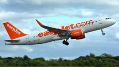 G-EZWU (AnDyMHoLdEn) Tags: easyjet a320 egcc airport manchester manchesterairport 23l