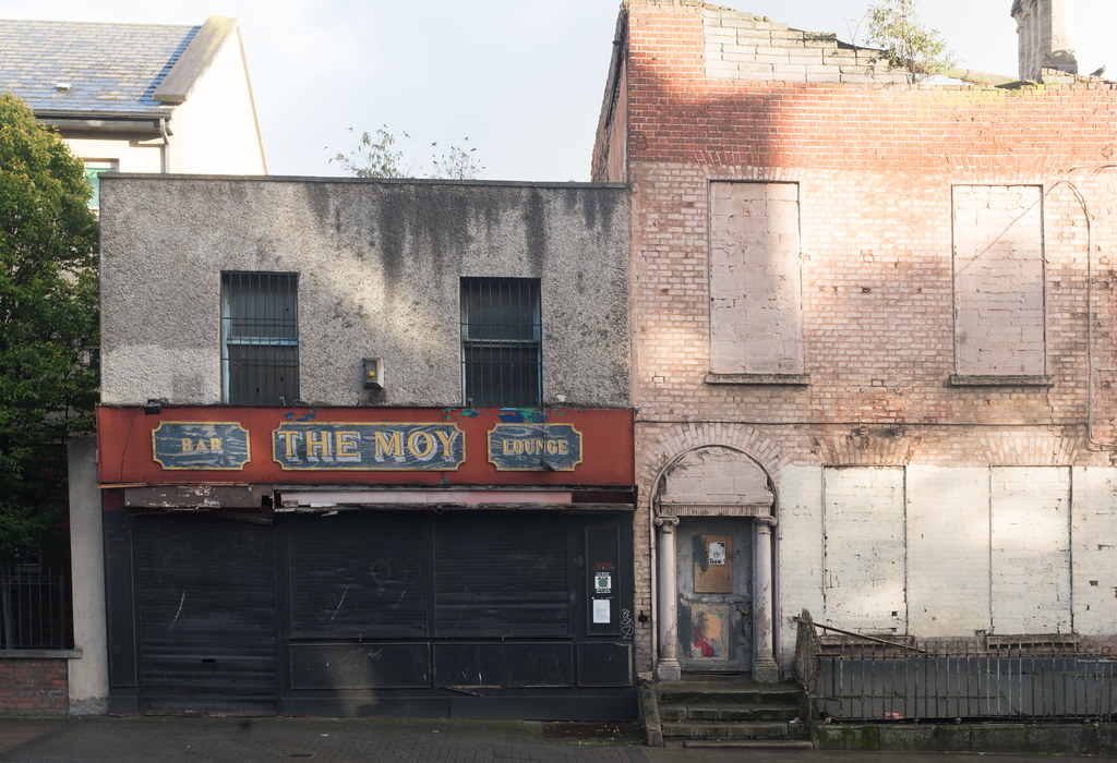 DERELICT SITE CONSISTING OF TWO BUILDINGS [ONE IS THE MOY PUB AND THE OTHER MAY BE OF HISTORIC IMPORTANCE]-133050