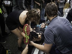 Catalan independence referendum, October 1 2017. People help an injured man after being hit by a plastic bullet shot by the police. ©Federico Verani (Federico Verani) Tags: barcellona barcelona referendum october 2017 vote catalogna catalunya catalonia europe spain clashes injured people street documentary photography catalanreferendum