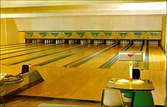 Big Bear Bowl (1950sUnlimited) Tags: bowling bowlinglanes bowlingalleys postcards leisure fun sport midcentury roadtrips