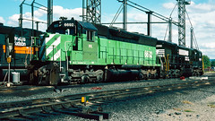 6692_9_25_crop_clean_R (railfanbear1) Tags: dh nhl helm
