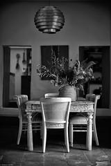 Table d'hôtes (Mathieu HENON) Tags: leica m240 noctilux 50mm noirblanc monochrome blackwhite espagne ibiza baléares santa eulalia les terrasses table dhötes maison dhôtes lifestyle