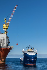 Stril Barents Cargo Work (SPMac) Tags: stril barents simon møkster shipping vard psv06 lng arctic circle sea norway eni norge goliat fpso 71227 floating production storage oil gas cargo work lift wire crane alongside