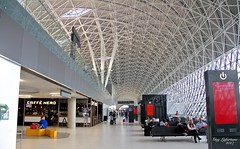 BEAUTIFULL ZAGREB AIRPORT in CROATIA  ( Return to Montreal ( Quebec ) Canada (Guy Lafortune) Tags: croatia aéroport plafond restaurant café coffee personnes people banc seats sièges departure banquettes architecture europe zagreb airport ceiling europa techo soffitto resto benches bench ristorante vacation vacance structure vacancy october autumn octobre automne aeroporto aeropuerto modern moderne géométrie symétrie geometry symetry
