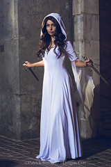 SP_67132-2 (Patcave) Tags: friday dragon con dragoncon 2017 dragoncon2017 cosplay cosplayer cosplayers costume costumers costumes shot comics comic book scifi fantasy movie film legend seeker kahlan emnell mother confessor warrior white sword truth