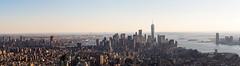 Panorámica de Manhattan desde el Empire State Building hacia el sur. Con Brooklyn a la izquierda y New Jersey a la derecha. (Luis Pérez Contreras) Tags: panorámica panorama manhattan empire state building sur south brooklyn new jersey m40150mm f28 mc14 em1markii viaje eeuu usa trip 2017 olympus m43 mzuiko omd em1 nyc newyork nuevayork estadosunidos