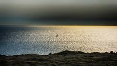 Soleil levant (Fred&rique) Tags: lumixfz1000 photoshop raw hdr soleil levant aube mer méditerranée aude falaises leucate paysage nature reflets calme