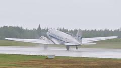 Daisy in rain (Arndted) Tags: douglasdc3 dc3 douglas daisy flygandeveteraner nyköpingflygmotordag nyköping skavsta sverige sweden aircraft airshow airplane aviation flygplan nikon d300s sigma ex100300f4