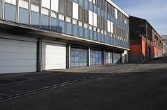 (Jean-Luc Léopoldi) Tags: rue street vide building garage ombre soleil moche montée dessin crayon façades
