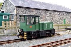 Bill (R~P~M) Tags: rain railway diesel locomotive dinas welshhighlandrailway narrowgauge gwynedd wales cymru uk unitedkingdom greatbritain hunslet