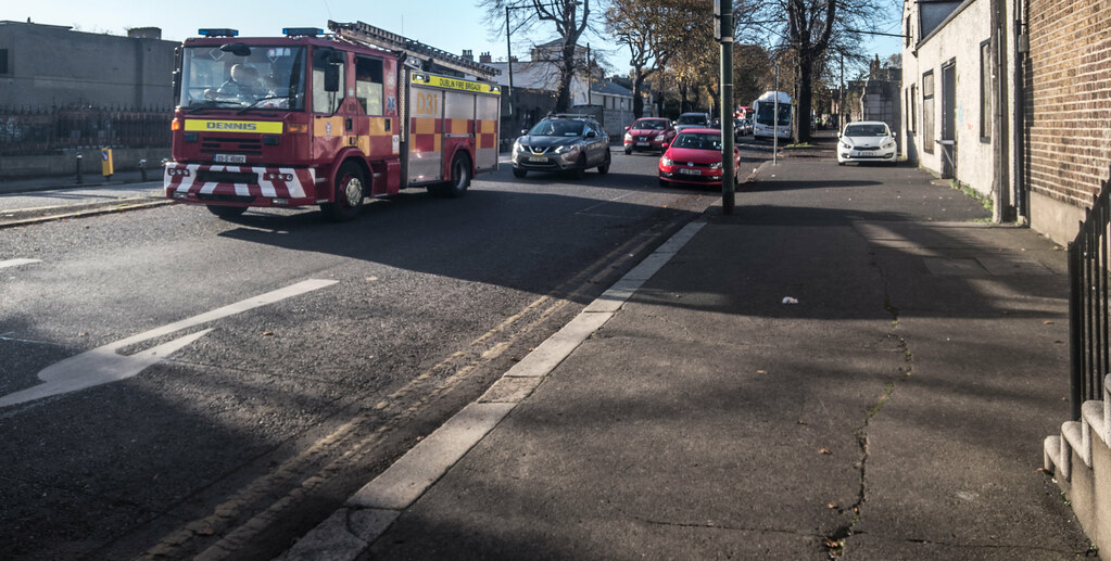 FOR THOSE OF YOU WHO ARE INTERESTED IN FIRE ENGINES [DUBLIN FIRE BRIGADE]-133605