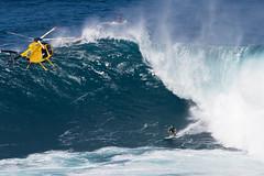 Mark Healey (Ricosurf) Tags: 2017 2017bigwavetour bwt hawaii jaws maui peahichallenge peahi surf surfing theworldsurfleague wsl worldsurfleague action roundone heat1 haikumaui usa