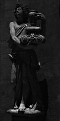 20 - Reims - Basilique Saint-Remi - Statue (melina1965) Tags: reims marne grandest octobre october 2017 nikon d80 noiretblanc blackandwhite bw sculpture sculptures statue statues église églises church churches