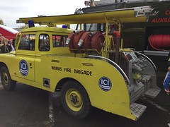 1962 Land Rover 109 (Ross.K) Tags: ici fire appliance czb773 1962 land rover 109 yellow works brigade