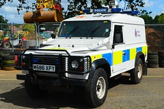 M586 XFY (S11 AUN) Tags: kent police land rover defender 110 v8 4x4 arv armed response fsu firearms support unit traffic car rpu roads policing 999 emergency vehicle m586xfy