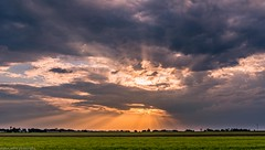 sunbeams (andrew.walker28) Tags: sun beams rays landscape set orange fields farm darling downs queensland australia