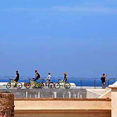 Cadiz, Andalusia, Spain (pom.angers) Tags: canoneos400ddigital 2017 april spain andalusia cadiz europeanunion people bicycle bike 100 150 200 5000