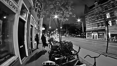 Streets at night (André Felipe Carvalho) Tags: amsterdam holanda noite night streetphotography street blackwhite preto branco